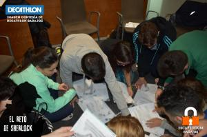 Teambuilding-Badajoz-reto-sherlock-Escape-room-badajoz-007